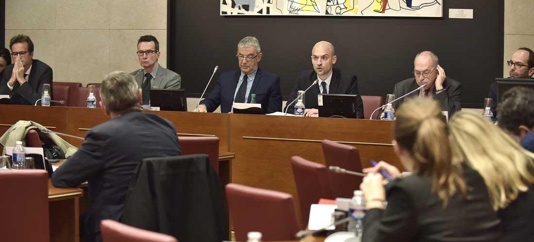Commission Défense et groupe de travail des moyens de contrôle et d'évaluation